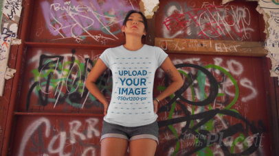 T-Shirt Video of a Serious Woman in an Urban Setting 3421v