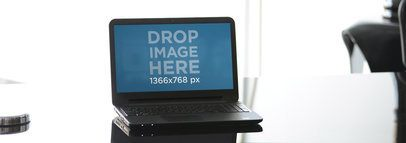 Laptop Corporate Glass Desk