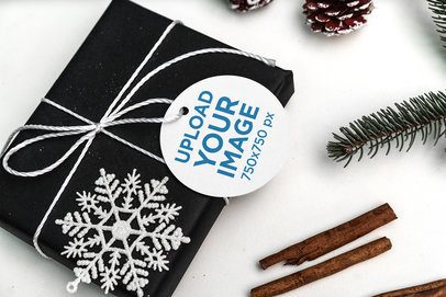 Round Brand Tag Mockup Featuring a Christmas Gift 2084-el1