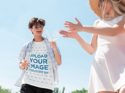 T-Shirt Mockup of a Young Man with Sunglasses Having Fun with a Friend 42168-r-el2