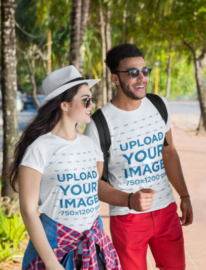 Round-Neck Tee Mockup of Two Travelers by the Beach 46454-r-el2